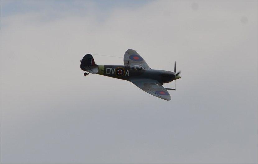 Supermarine Spitfire Mk. IX 1600 PNP - Page 3 16b_sp10