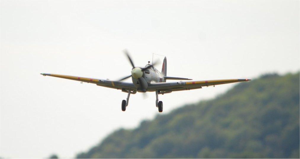 Supermarine Spitfire Mk. IX 1600 PNP - Page 3 18b_sp10