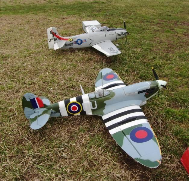 Supermarine Spitfire Mk. IX 1600 PNP - Page 3 2013_s11