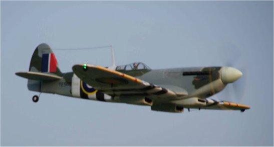 Supermarine Spitfire Mk. IX 1600 PNP - Page 3 2013_s12
