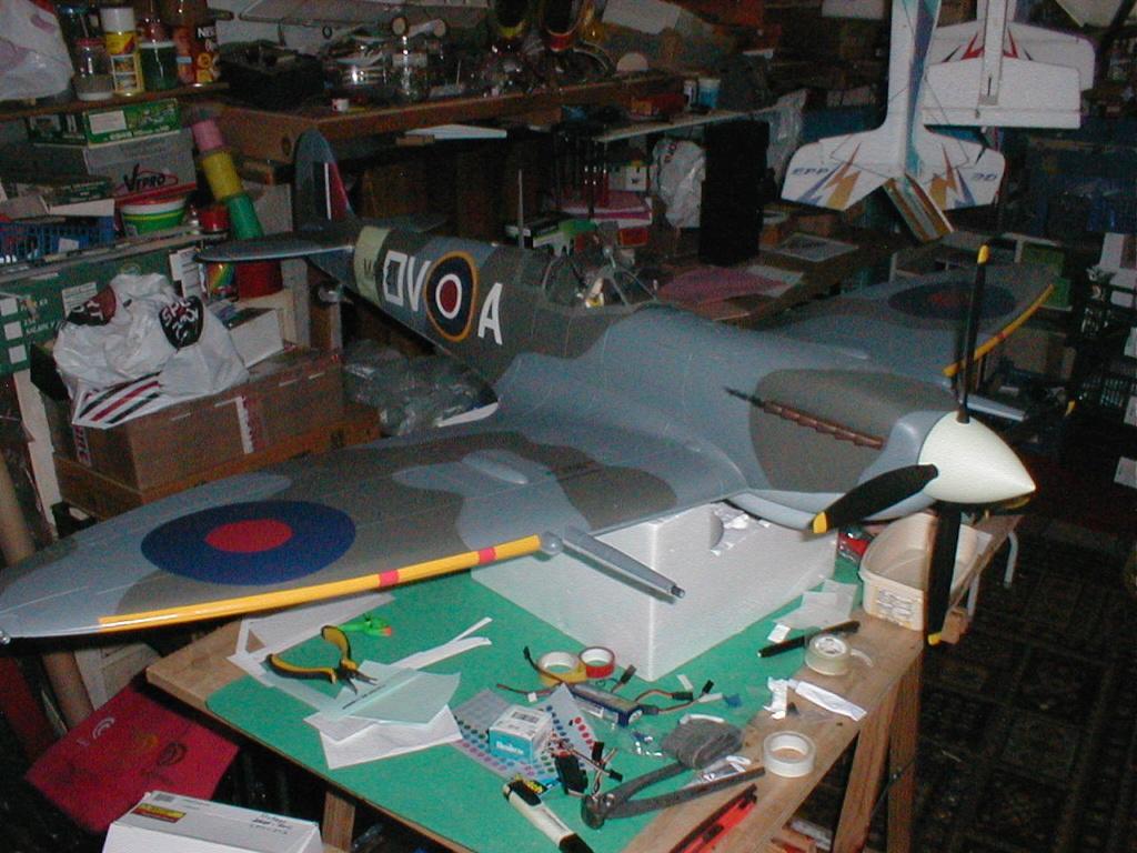 Supermarine Spitfire Mk. IX 1600 PNP - Page 2 P1010033