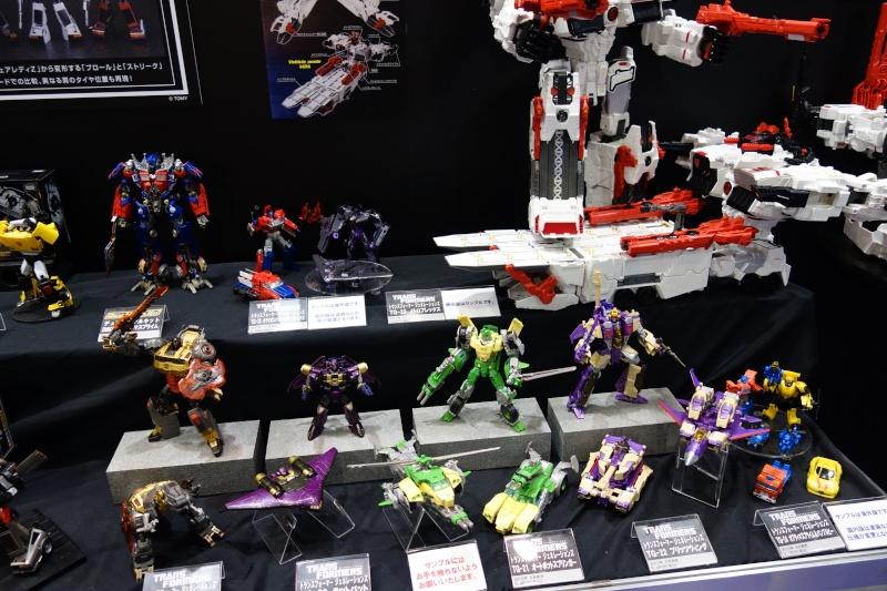 Toy Fair ou San Diego Comic Con (SDCC) de cette année: Nouveaux Jouets TF à venir et Exclusivités - Page 6 Dsc00625