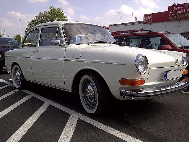 "VW 1600 L Automatik - auf dem Parkplatz ""schnappgeschossen""  213"