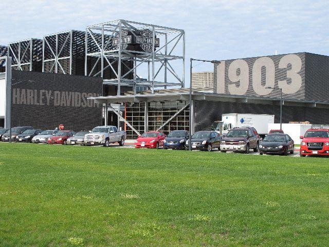 Harley Davidson Museum Milwaukee/USA - 2010 Hd-mus11