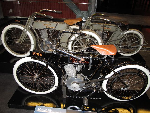 Harley Davidson Museum Milwaukee/USA - 2010 Hd-mus15