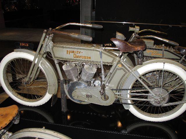 Harley Davidson Museum Milwaukee/USA - 2010 Hd-mus16