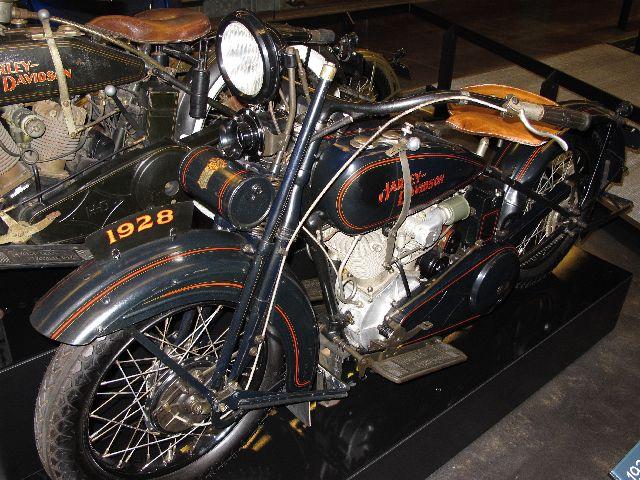 Harley Davidson Museum Milwaukee/USA - 2010 Hd-mus17