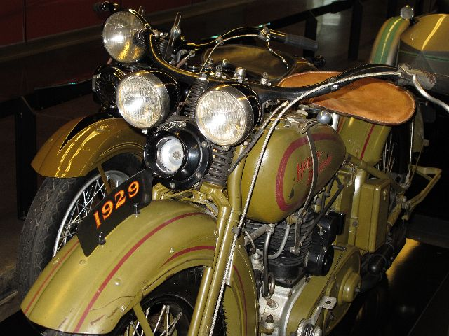 Harley Davidson Museum Milwaukee/USA - 2010 Hd-mus19