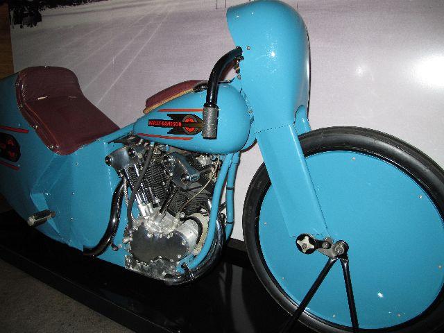 Harley Davidson Museum Milwaukee/USA - 2010 Hd-mus29