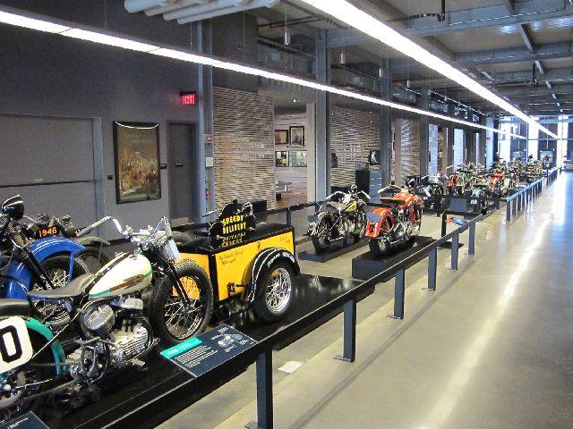 Harley Davidson Museum Milwaukee/USA - 2010 Hd-mus35