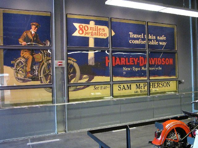 Harley Davidson Museum Milwaukee/USA - 2010 Hd-mus37