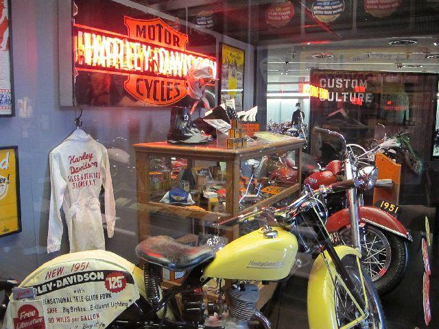Harley Davidson Museum Milwaukee/USA - 2010 Hd-mus39