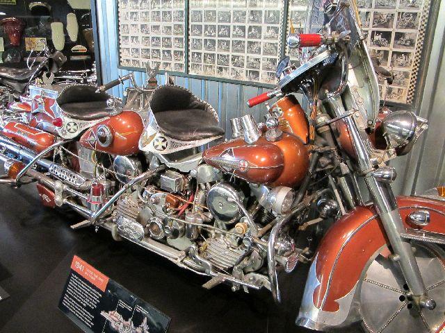 Harley Davidson Museum Milwaukee/USA - 2010 Hd-mus42