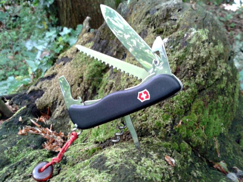 Quel(s) couteau(x) Suisse avec vous - Page 3 2013-045