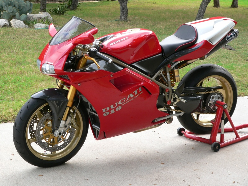 Tamiya Ducati 916 Ducati11