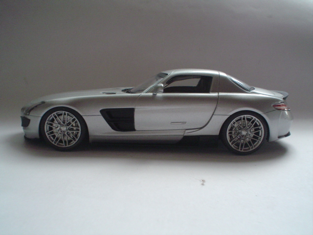 Mercedes SLS - Brabus Version Modeli15