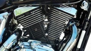 Polished engine fins after pair valve removal - 2000 Suzuki VZ800V Img_2012