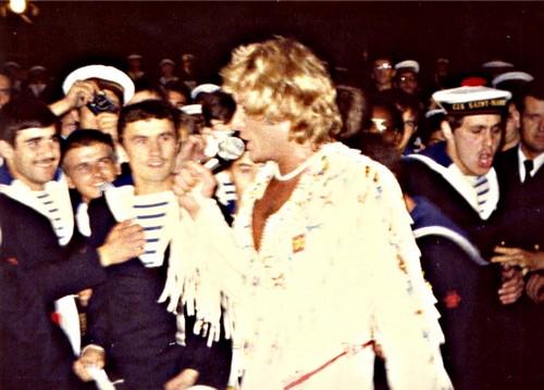 JOHNNY sur le Foch le 29 Septembre 1979 Jh41010