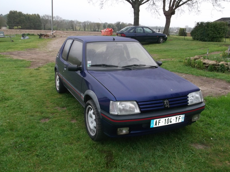 [roms056]  205 GTI - 1.9 - bleu/rouge - 1987 ( sa commence ) Dscf0410