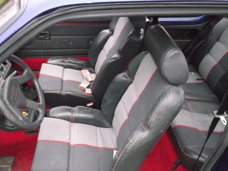 [roms056]  205 GTI - 1.9 - bleu/rouge - 1987 ( sa commence ) Dscf0413