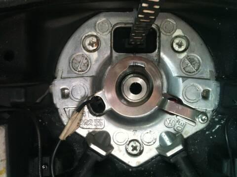 [Tuto] Comment démonter le Volant Img_0617