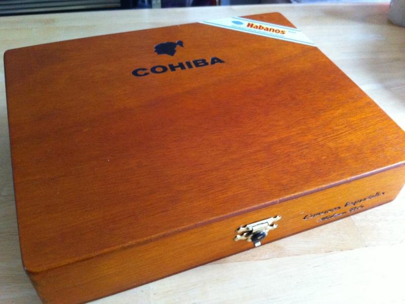 Cigar Box Guitar Gut Bucket - Page 2 01-coh10