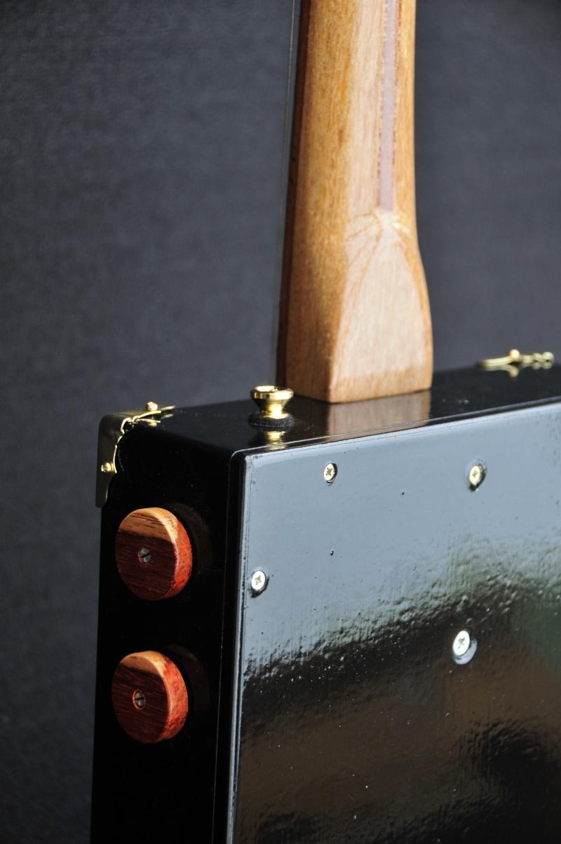 Cigar Box Guitar Gut Bucket - Page 4 _dsc9420