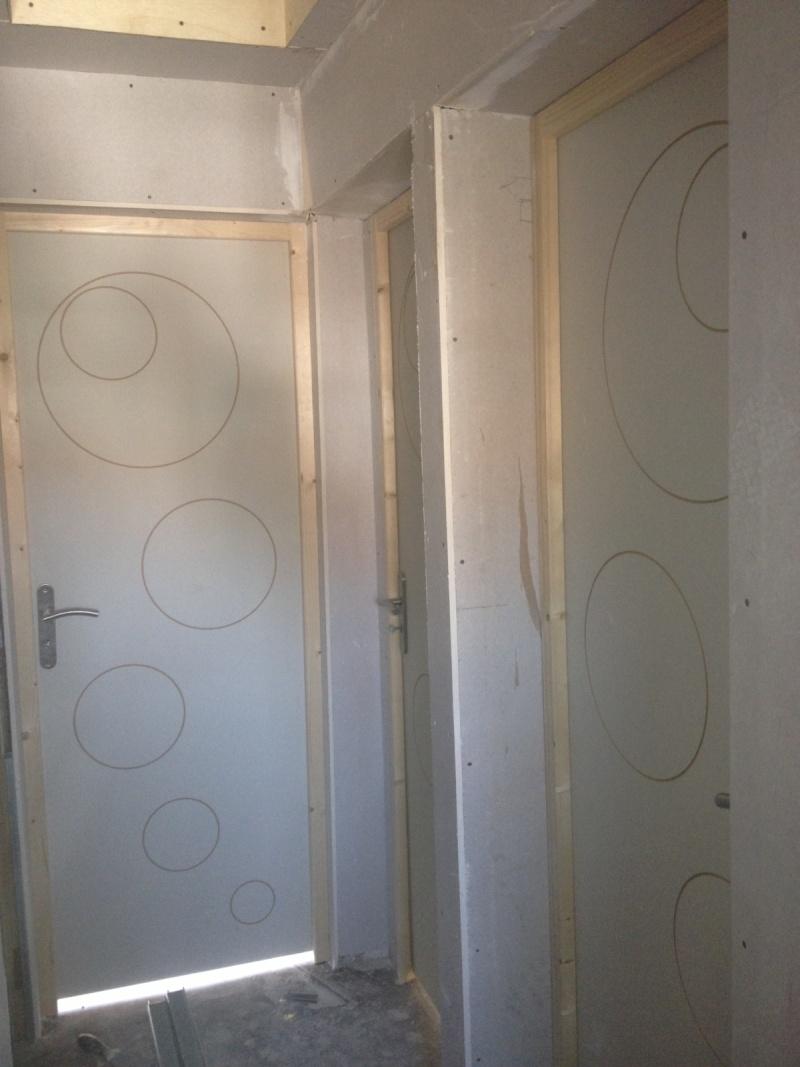 Peinture pour un couloir luminuex et gai 51710
