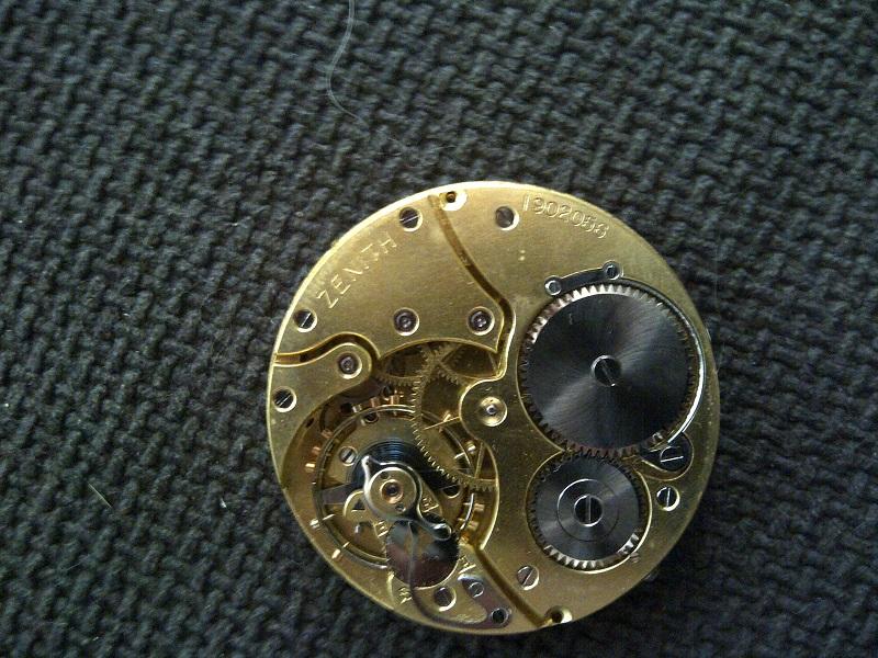 identification montre zenith Img-2012