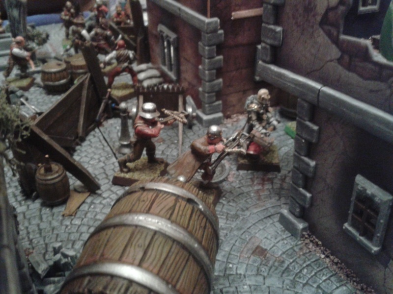 Waterfront Mordheim. battle is in full swing! 2013-024