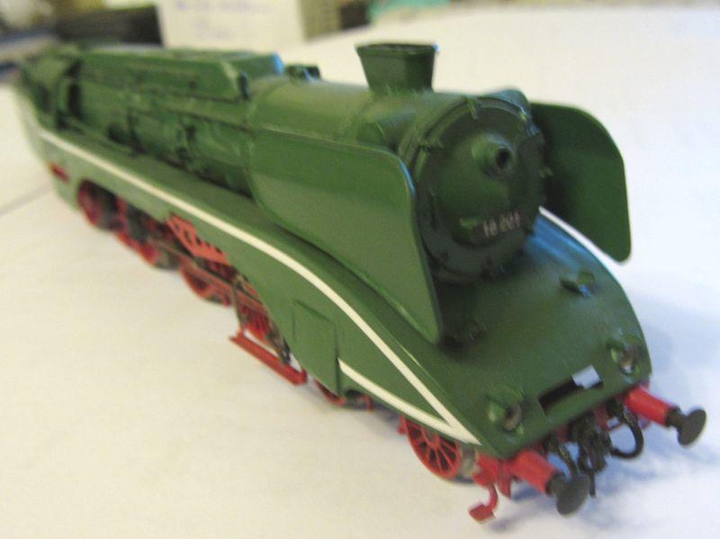Modell der BR 18 201 erbaut 1990 18-0210