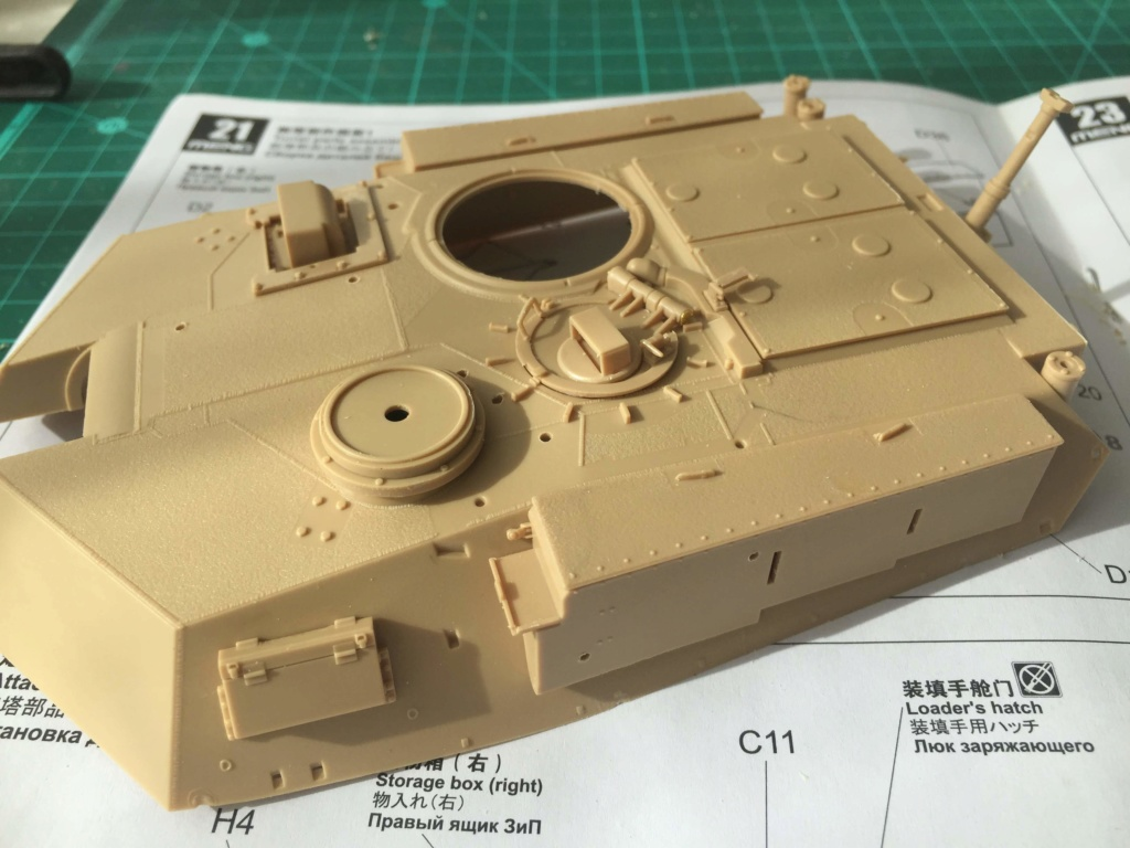 M1A2 Abrams Tusk MENG 1/35 Termine - Page 2 1010