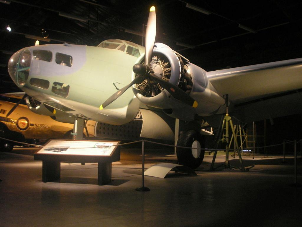 Pratt and Whitney R1830  Lockheed Hudson  1/18 1/35  1/48 1280px12