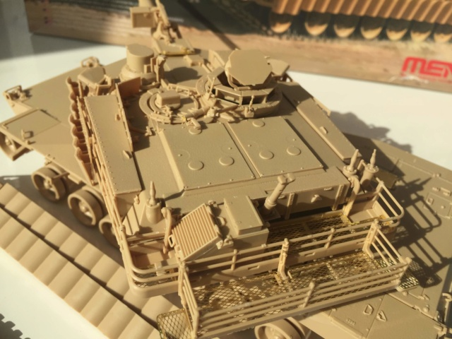 M1A2 Abrams Tusk MENG 1/35 Termine - Page 2 1412
