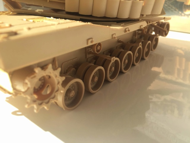 M1A2 Abrams Tusk MENG 1/35 Termine - Page 2 1811