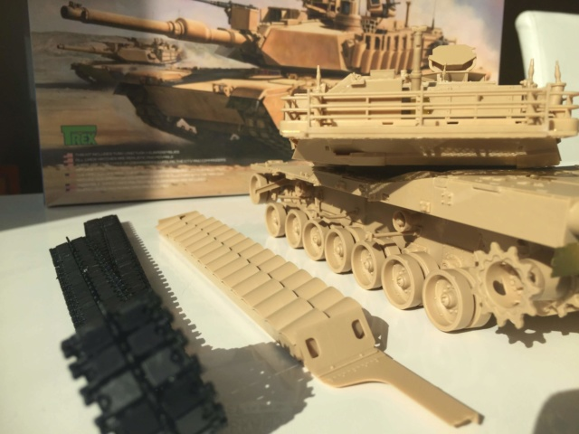 M1A2 Abrams Tusk MENG 1/35 Termine - Page 2 1911