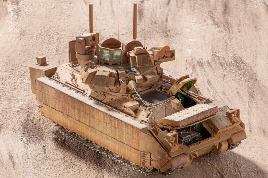 Bradley M2A3 with Busk III - Meng -1/35 TERMINE - Page 4 22110