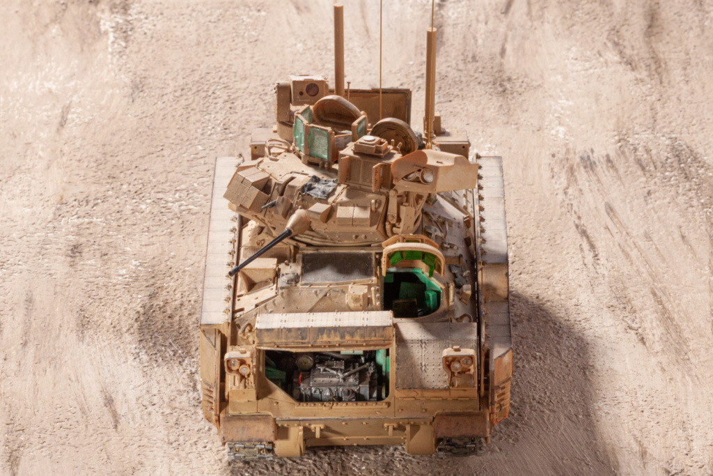 Bradley M2A3 with Busk III - Meng -1/35 TERMINE - Page 4 22210