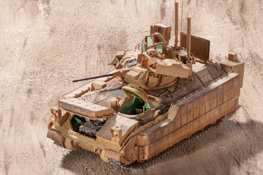 Bradley M2A3 with Busk III - Meng -1/35 TERMINE - Page 4 22310