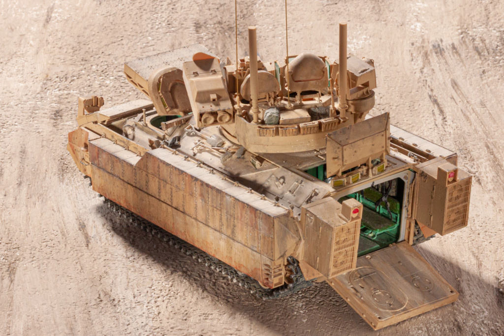 Bradley M2A3 with Busk III - Meng -1/35 TERMINE - Page 4 22910