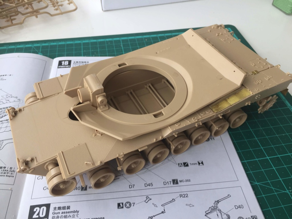 M1A2 Abrams Tusk MENG 1/35 Termine - Page 2 413