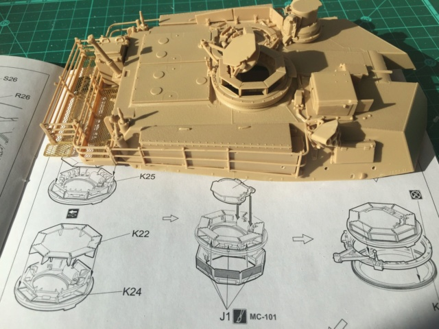 M1A2 Abrams Tusk MENG 1/35 Termine - Page 2 414