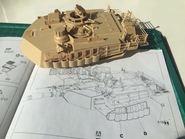 M1A2 Abrams Tusk MENG 1/35 Termine - Page 2 914