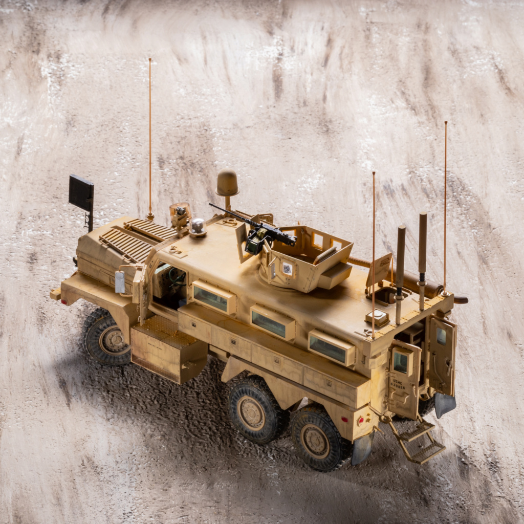 U.S. COUGAR 6X6 Mrap vehicle MENG 1/35 Termine - Page 3 _mg_0213