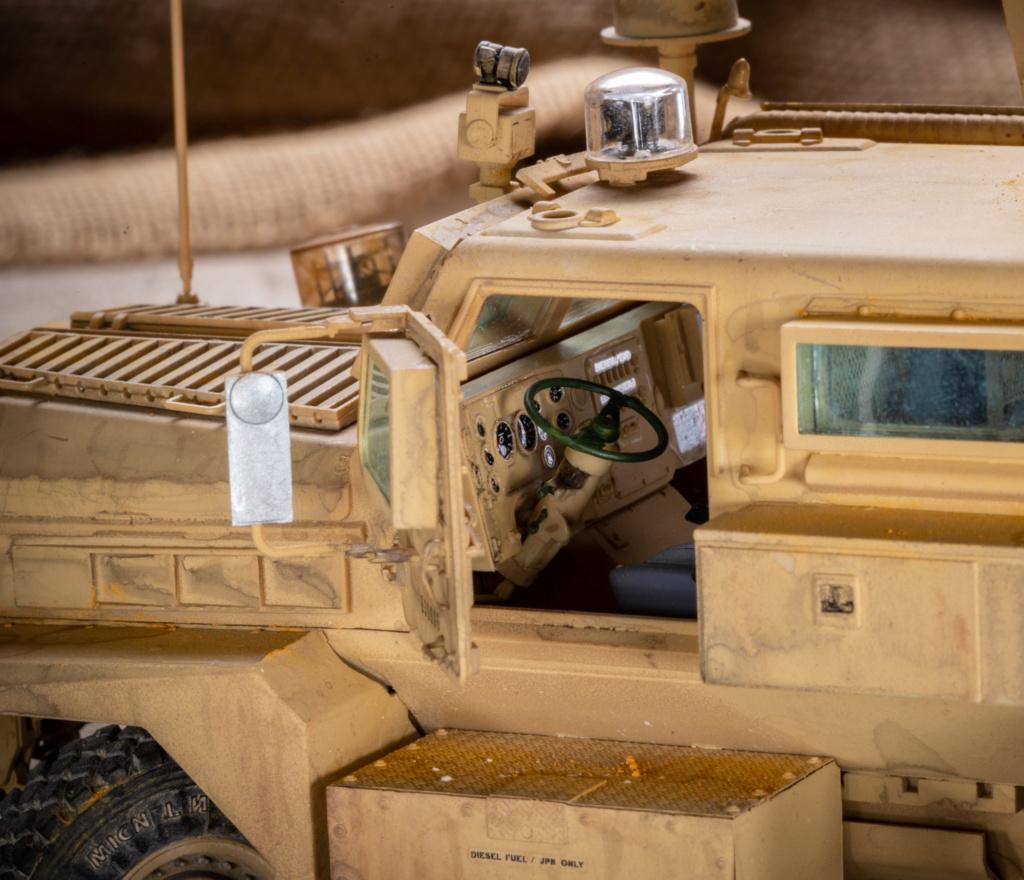 U.S. COUGAR 6X6 Mrap vehicle MENG 1/35 Termine - Page 3 _mg_0224