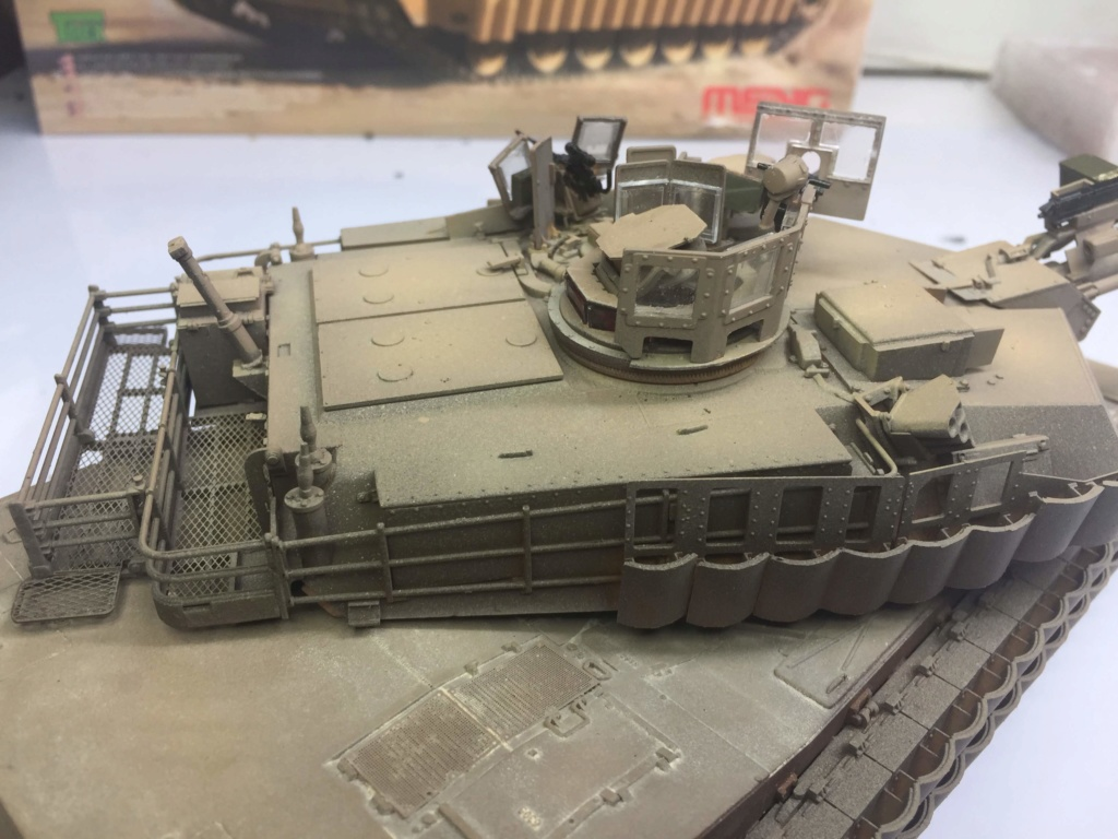M1A2 Abrams Tusk MENG 1/35 Termine - Page 3 Img_0082