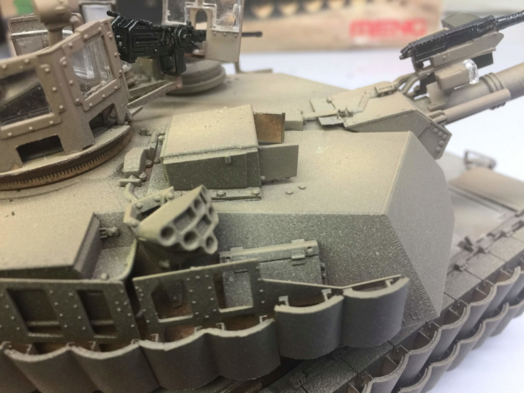M1A2 Abrams Tusk MENG 1/35 Termine - Page 3 Img_0087