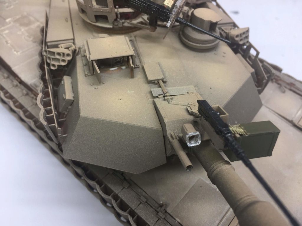 M1A2 Abrams Tusk MENG 1/35 Termine - Page 3 Img_0090