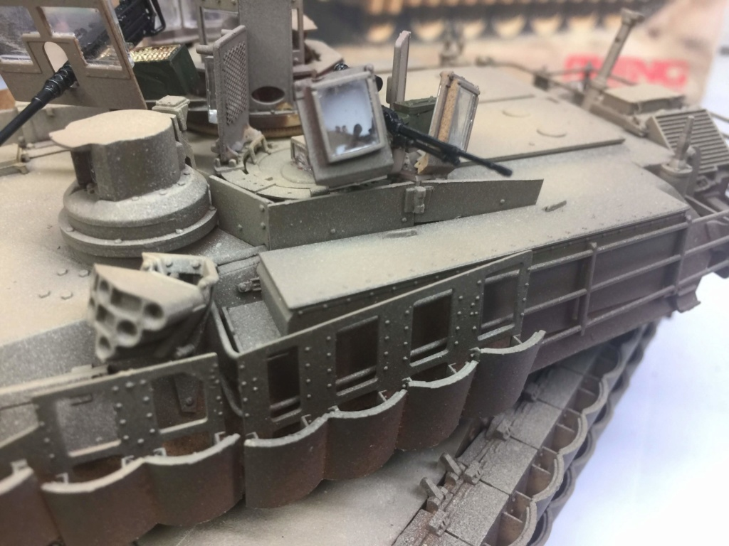 M1A2 Abrams Tusk MENG 1/35 Termine - Page 3 Img_0096