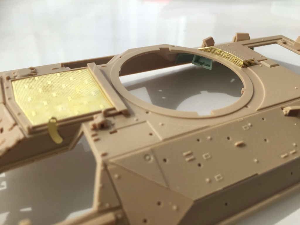 Bradley M2A3 with Busk III - Meng -1/35 TERMINE Img_0415
